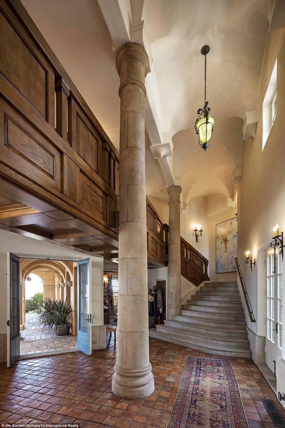 Jeff Bridges lists his Montecito villa for 295million