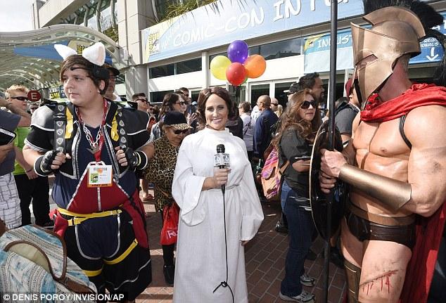 Jennifer Lawrence Meets Idol Bill Murray At San Diego