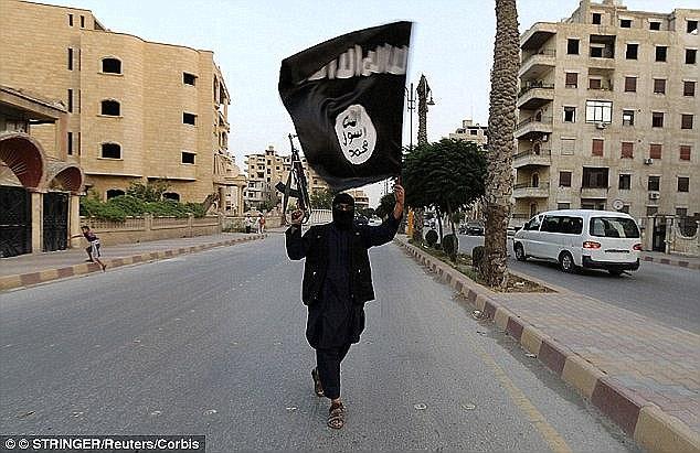Expansión: Los Estados Unidos consideran ISIS (foto de archivo) ordena al menos 31.000 combatientes leales según los Estados Unidos - desde 16.000 el pasado otoño