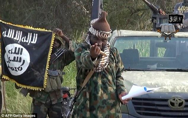 Enemigo: Cinco países africanos acordaron formar una coalición para asumir Boko Haram cuyo líder Abubakar Shekau (en la foto) prometido lealtad del grupo ISIS este año