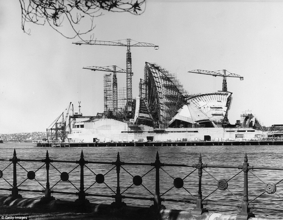Sydney Opera House Photos Show It While It Was Being Built Daily