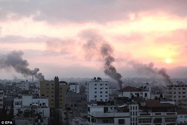 Puesta de sol en Gaza: Las explosiones coordinadas parece ser una advertencia de presuntos partidarios ISIS