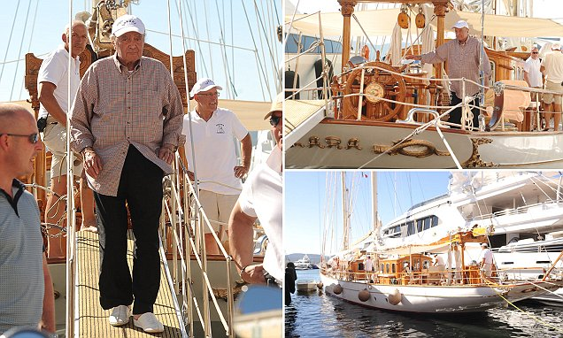 Mohamed Al Fayed Shuns Super Yachts Trend To Holiday On