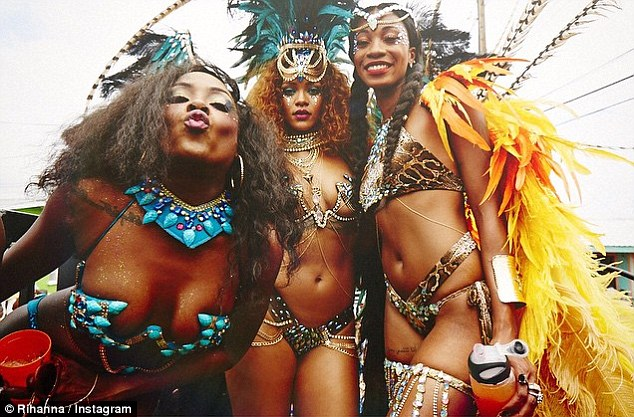 'black iz beautiful': Rihanna shared a picture on Instagram with her BFF Melissa Forde and her cousion Leandra