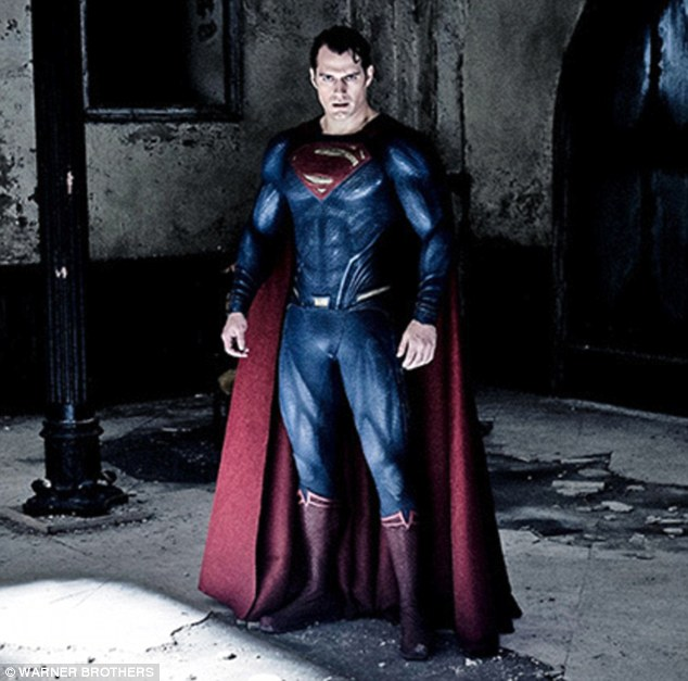 Henry Cavill shows muscles in a tight Tshirt for Mens Health magazine shoot  Daily Mail Online