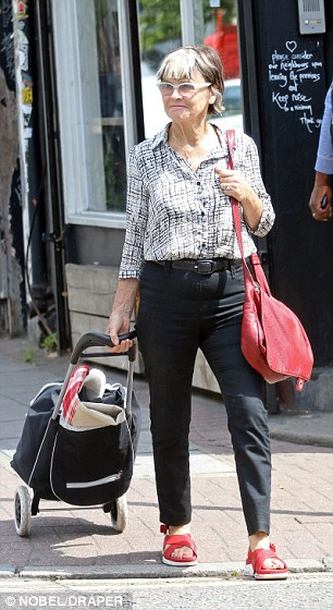 Julie Christie Retains Glamour As She Pops To A Dry
