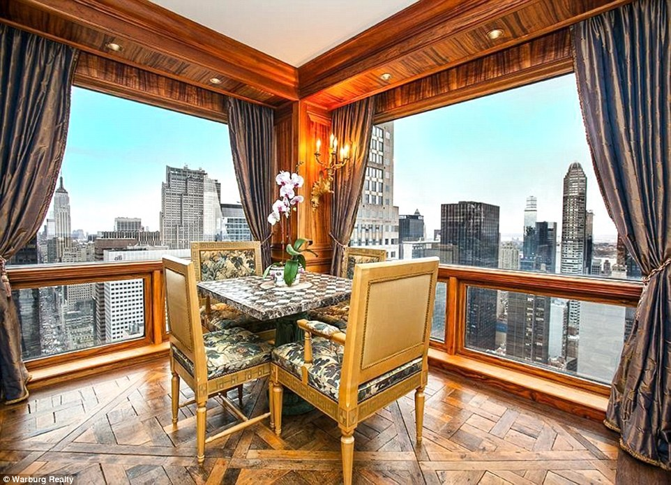 Cristiano Ronaldo buys 185m New York home in Trump Tower which inspired setting of 50 Shades