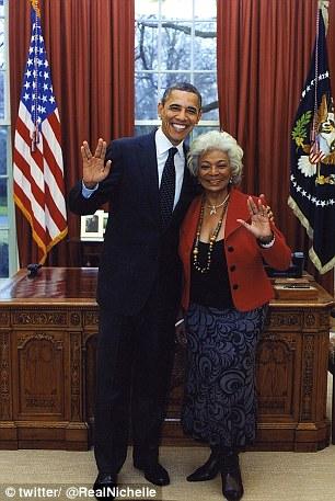 Star trekkie:Obama gives Spock's V-sign with Nichelle Nichols, who was Lt Uhura