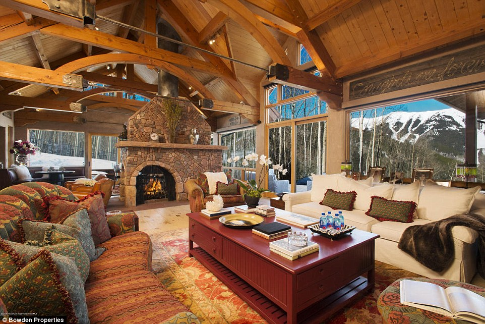 Antonio Banderas and Melanie Griffiths renting 99m Aspen