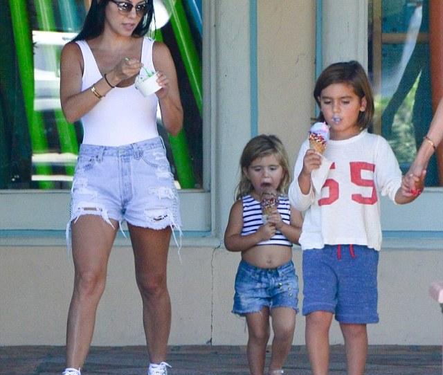 We All Scream For Ice Cream Kourtney Kardashian Treated Her Two Oldest Kids Mason