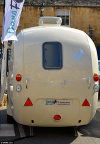 British company invents the world's first CURVY caravan ...