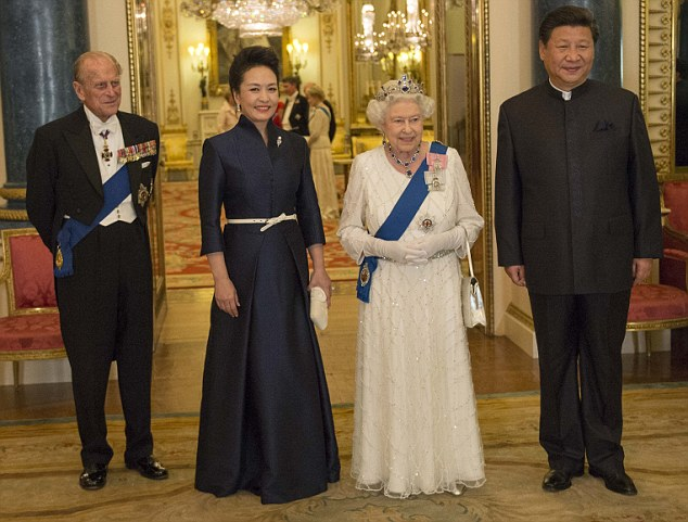 Her Majesty The Queen and the Duke of Edinburgh pose for an official photograph with Xi Jinping and Peng Liyuan before the state banquet hosted by the Queen and Prince Philip