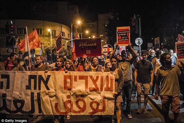 Around 2000 participants took part in an Arab-Israeli demostration for peace in the center of Jerusalem last week