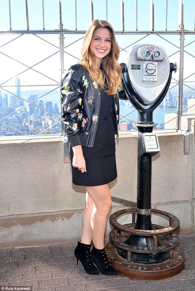 Melissa Benoist visits The Empire State Building as Supergirl pulls in huge ratings  Daily Mail