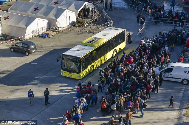 Earlier in the day, buses had arrived to take hundreds of migrants to temporary shelter in Kufstein, which is near the German border