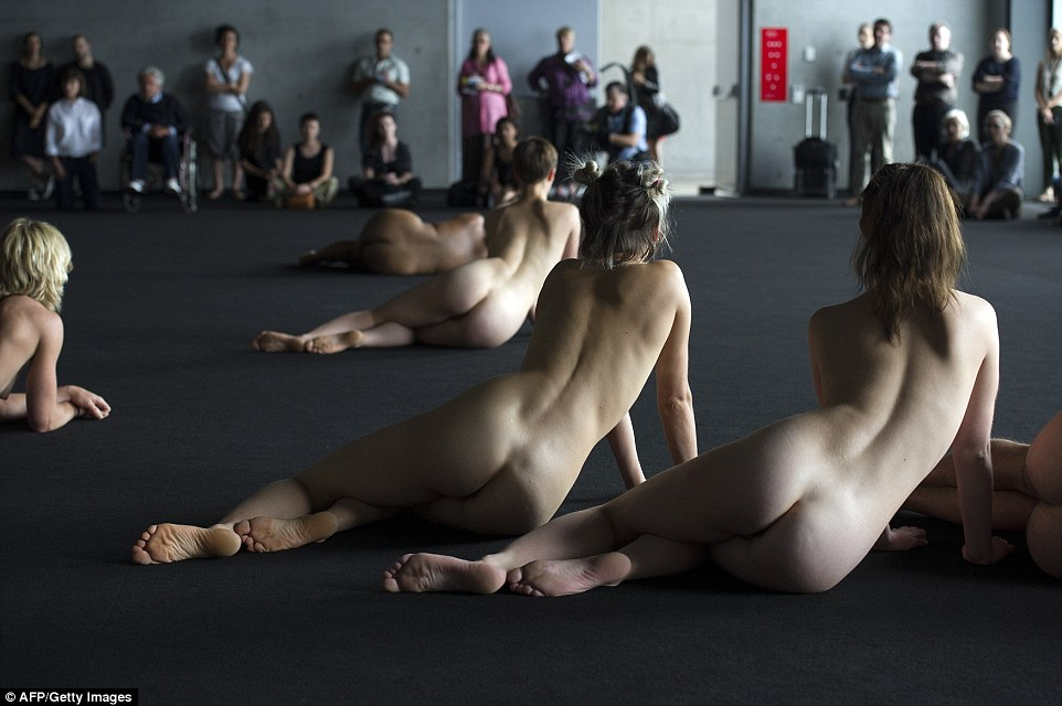 Xavier Le Roys Temporary Title sees naked performers