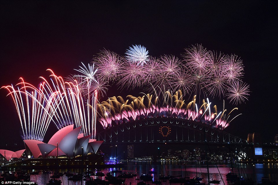 Australian revellers are preparing to bring in the New Year in style - with near-perfect weather conditions across the country