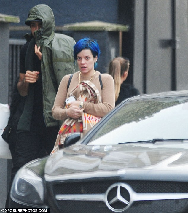 Lily Allen Moving Into New Home As Shes Pictured With