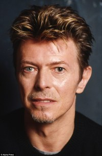 The remarkable story behind David Bowie's distinctive eyes ...
