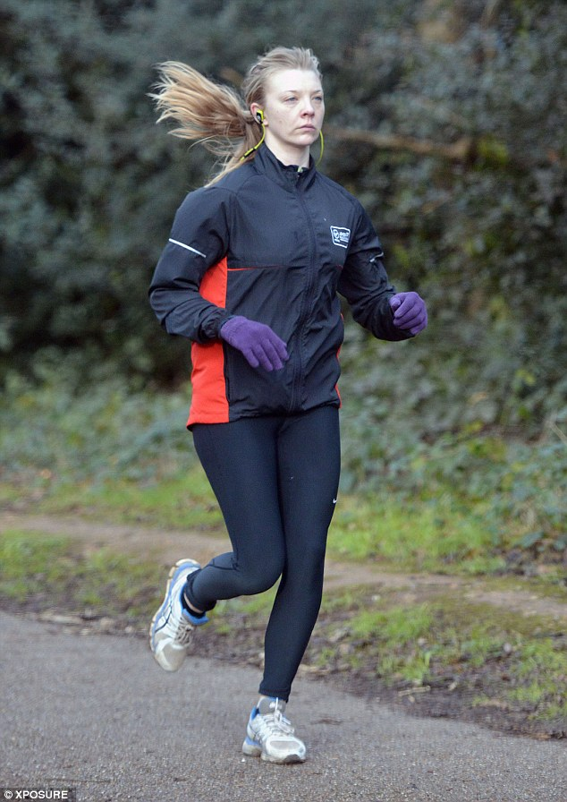 Game Of Thrones Natalie Dormer Goes Make Up Free In Tight