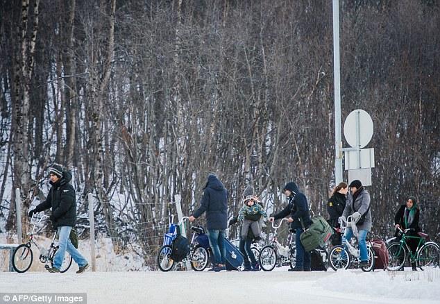 Gobierno de derecha de Noruega anunció en noviembre 2015 que los migrantes que habían estado viviendo legalmente en Rusia deben ser devueltos a Rusia