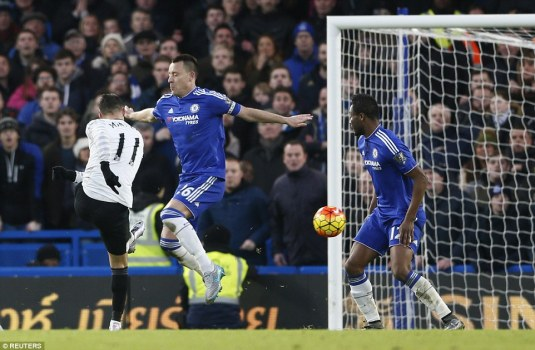 Everton winger Kevin Mirallas doubled the visitors' advantage with a fine left footed finish after collecting Leighton Baines' cross