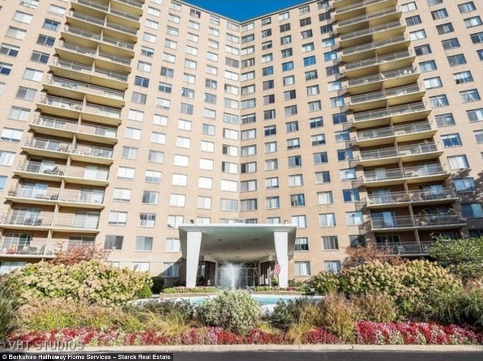 Chicago Condo Untouched Since The 1970s Hits The Market