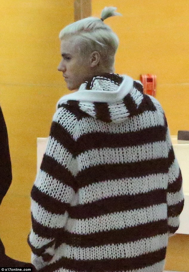 Justin Bieber Ties His Bleach Blonde Mane Into A Ponytail