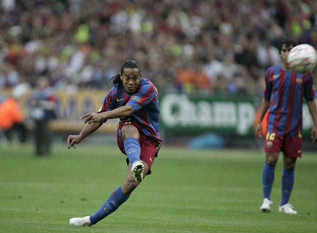 Kết quả hình ảnh cho Ronaldinho free kick