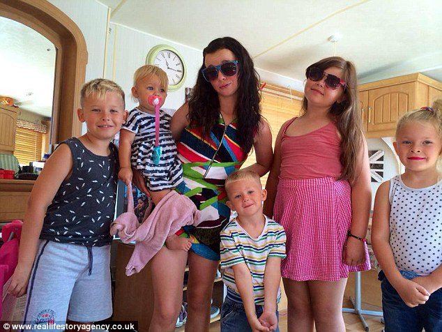 Donna with her children - Angel, 2, then Vinne 5, Jessica 8, Cameron, 10, and Danielle, 12
