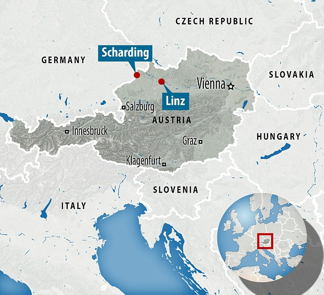 In the northern town of Scharding, a popular crossing point, officials said 300 people a day were being rejected by German officials, with many drifting to other parts of the country like the nearby Linz train station