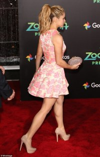 Shakira dons neon skater dress on the red carpet at the ...