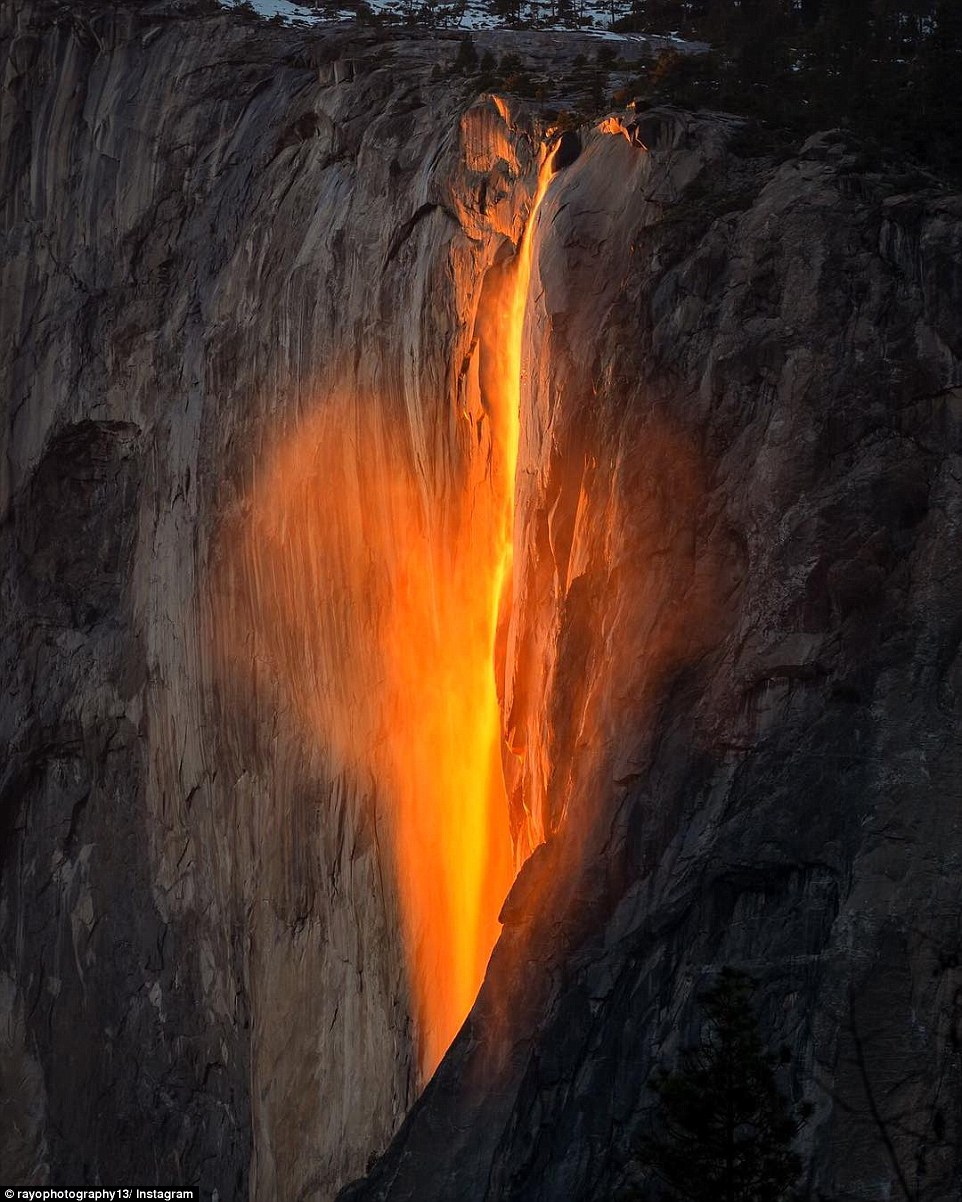 Horsetail Falls in Yosemite National Parks firefall