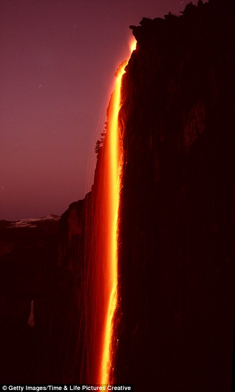 Wallpaper Falling Off Horsetail Falls In Yosemite National Park S Firefall