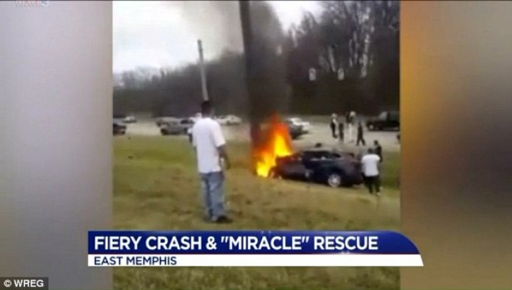 A driver was rescued by a group of Good Samaritans and a Memphis police officer Sunday in this potentially deadly car accident