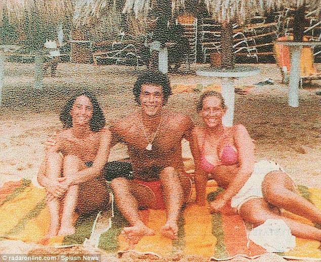 OJ Simpson prosecutor Marcia Clarks nude photos were sold