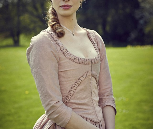 Poldark Actress Heida Reed Pictured Admits She Was Relieved When The Cameras Stopped Rolling