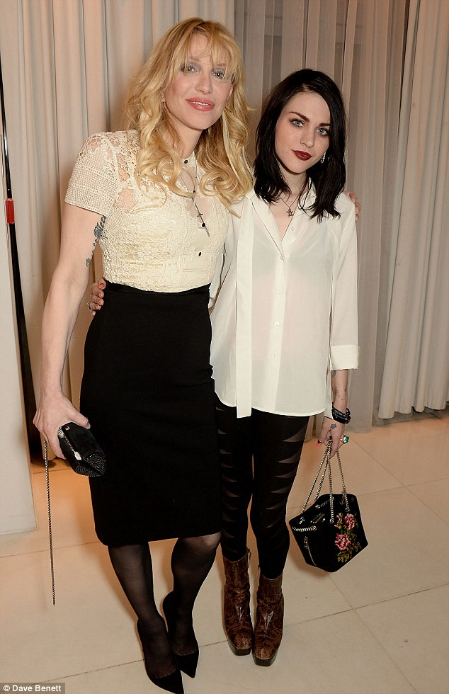 Cute Stylish Child Girl Wallpaper Courtney Love And Daughter Frances Bean Cobain Make Rare