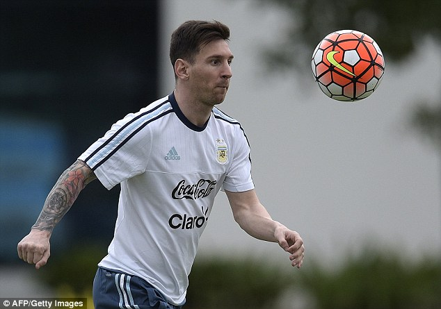 American president Barack Obama has  failed in his quest to meet Argentina forward Lionel Messi (above)