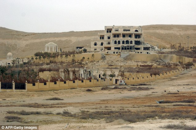 Backed by Russian warplanes and allied militia on the ground, the Syrian army advanced into Palmyra after launching a desert offensive early this month, said the Syrian Observatory for Human Rights