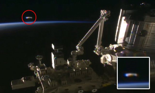 UFO hunter spots mysterious glowing object flanking the ISS during Nasa live feed | Daily Mail Online