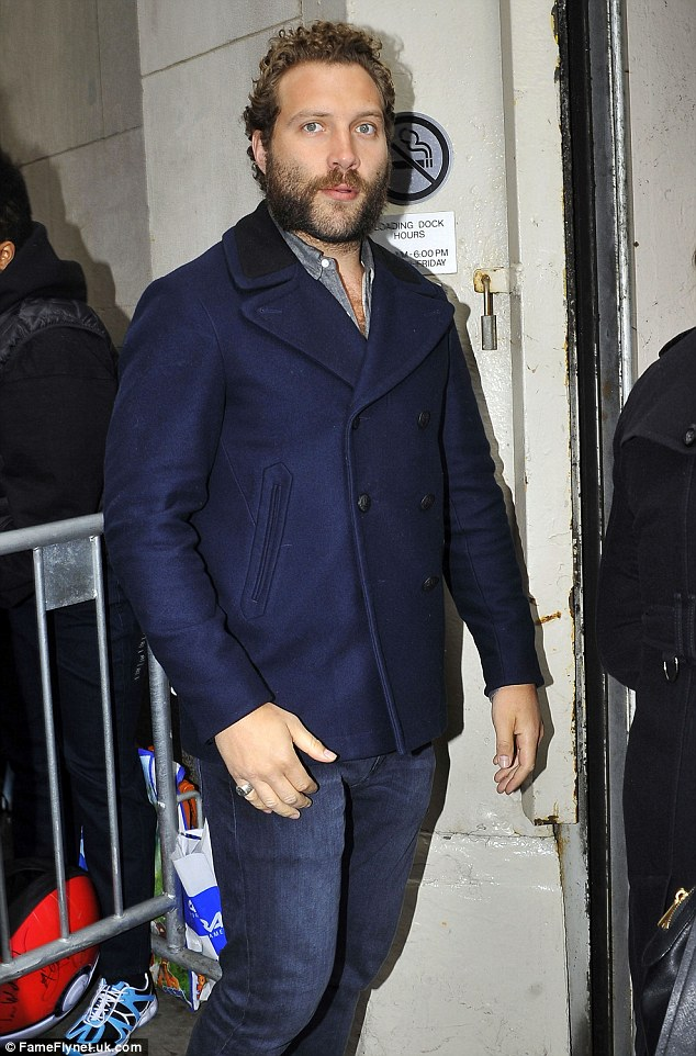 Suicide Squads Jai Courtney Braves New York Weather In