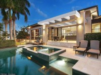 Australias richest family puts luxury Gold Coast holiday