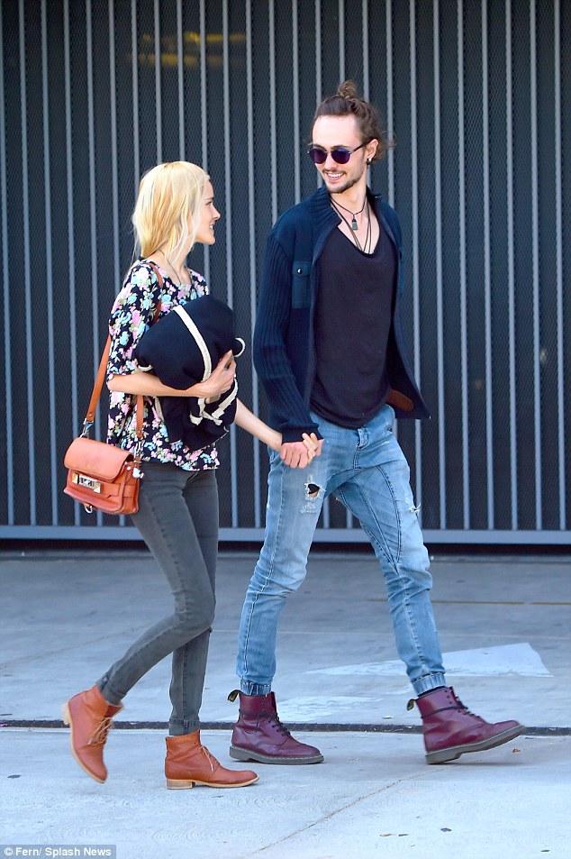 Isabel lucas dating adrian grenier wiki