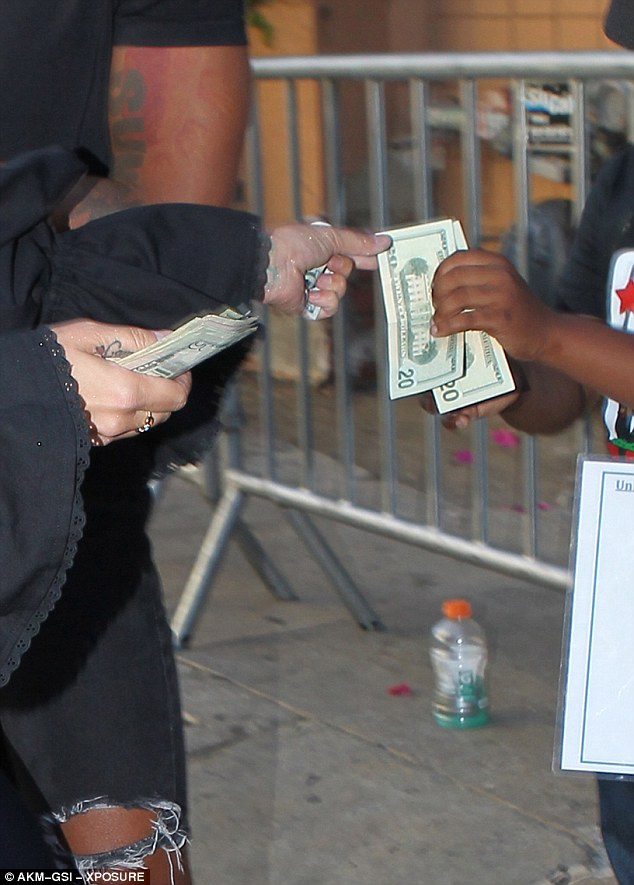 Generous:She also reportedly gave $40 in cash to two boys from the Unique Stars Youth Program