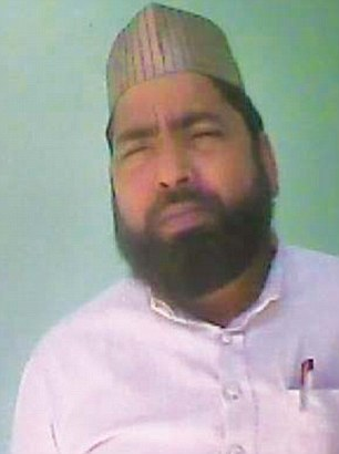 SP leader Hafiz Mohammed Irfan quoted a price of Rs 5 lakh to organise 50 to 60 men