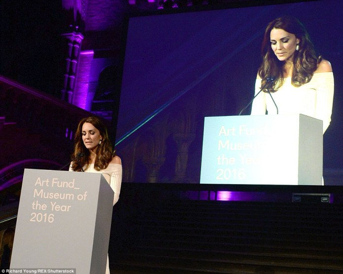 Art lover Kate, who is also a patron of the Natural History Museum, was chosen to present the awards on Wednesday