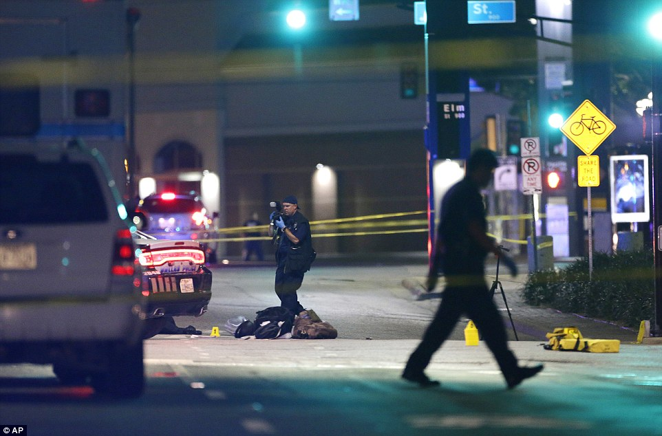 Dallas shooting sees FIVE officers killed in wake of