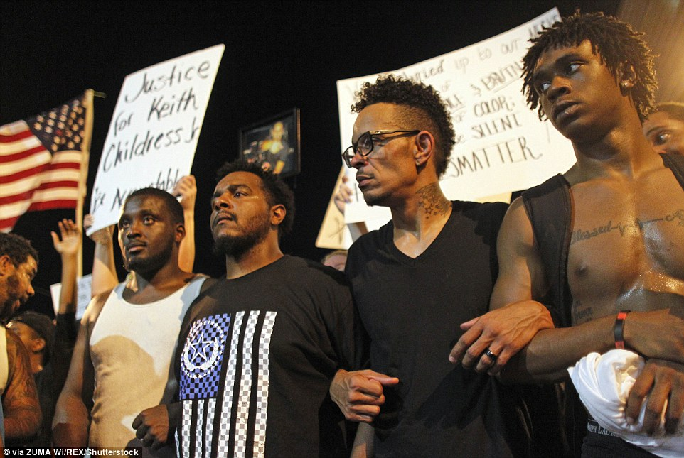 Peaceful protests erupted around the country to protest the recent deaths of Alton Sterling and Philando Castile, but tensions were high in Phoenix