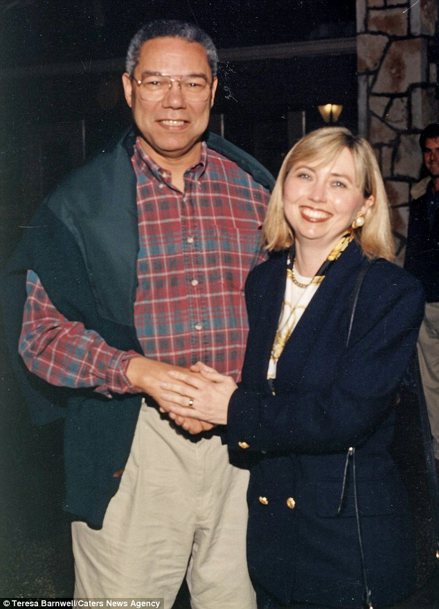 Hillary Clinton lookalike Teresa Barnwell poses for a photo with former Secretary of State Colin Powell